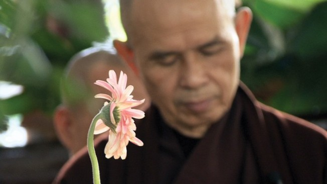 thich-Nhat-Hanh-flower